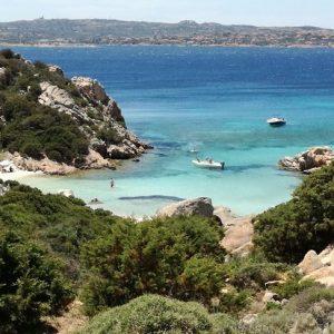 cala napoletana spiaggia isola caprera