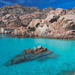 spiaggia di Thaiti nell'isola di Caprera