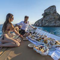 aperitivo-tramonto-bordo-la-maddalena-sardegna-barca-00001